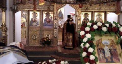 В пасхальную ночь праздничные службы состоялись во всех храмах Екатеринбурга и Свердловской области: верующие делятся своими впечатлениями
